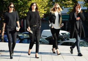 Tommy-Ton-Vogue-Paris-Fashion-week-black-outfits